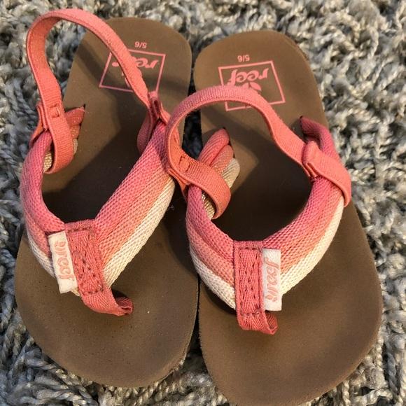 Reef Flip Flops Size 5/6 Pink/Coral color